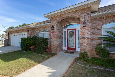 Gulf Breeze Single Family Home For Sale: 1474 Oakhill Road