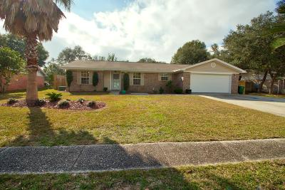 Navarre Single Family Home For Sale: 7897 Sleepy Bay Boulevard
