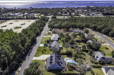 Navarre FL Single Family Home For Sale: $317,000