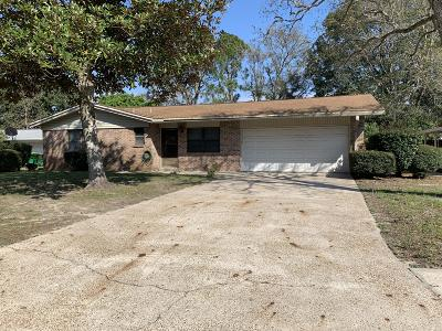 Mary Esther Single Family Home For Sale: 6 Regency Park Drive