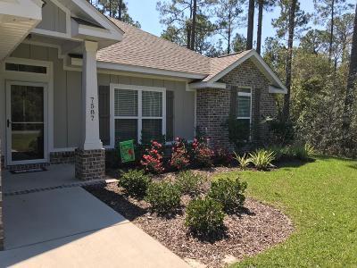 Navarre Single Family Home For Sale: 7587 Vinca Court