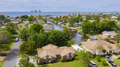 Gulf Breeze FL Single Family Home For Sale: $380,000