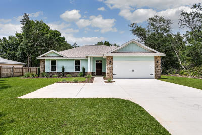 Navarre Single Family Home For Sale: 6884 East Bay Boulevard