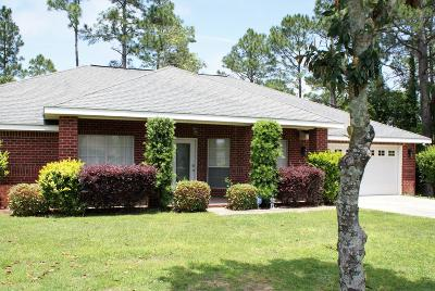 Navarre Single Family Home For Sale: 7406 Broadmoor Street