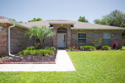 Navarre Single Family Home For Sale: 2970 Albatross Drive