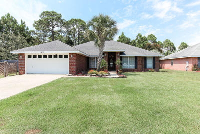 Gulf Breeze Single Family Home For Sale: 1477 Summersweet Court