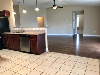 Navarre FL Single Family Home For Sale: $293,500