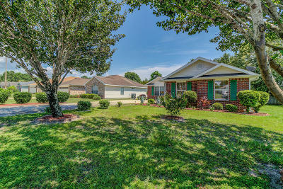 Gulf Breeze Single Family Home For Sale: 6475 Surfside Cove