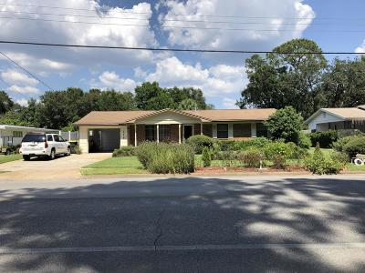 Fort Walton Beach Single Family Home For Sale: 215 NE Hughes Street