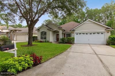Jacksonville, St Johns Single Family Home For Sale: 613 Acorn Ct