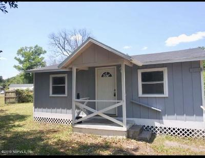 Single Family Home For Sale: 13566 Lyle Rd
