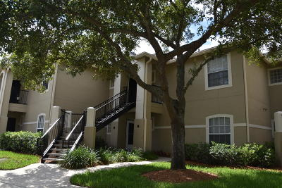 Jacksonville Beach Condo For Sale: 1655 The Greens Way #2222