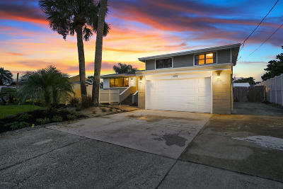 Jacksonville Beach Single Family Home For Sale: 4335 Coquina Dr