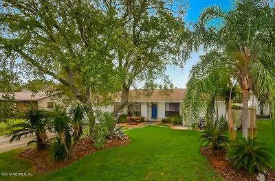 Dolphin Cove Single Family Home For Sale: 10 Ladyfish St