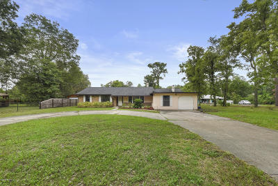 Single Family Home For Sale: 498 Branscomb Rd