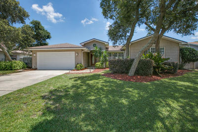Dolphin Cove Single Family Home For Sale: 6 Ladyfish St