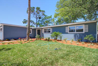Atlantic Beach Single Family Home For Sale: 460 Sailfish Dr East