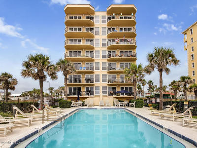 Jacksonville Beach Condo For Sale: 1551 1st St South #204