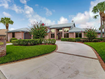 Clay County, Duval County, Flagler County, Nassau County, Putnam County, St. Johns County Single Family Home For Sale: 11449 Laurel Green Way