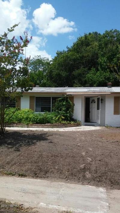 Single Family Home For Sale: 479 Tara Ln