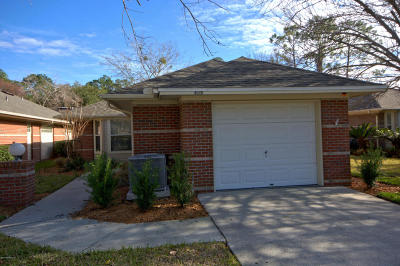 Duval County Single Family Home For Sale: 4529 Middleton Park Cir W