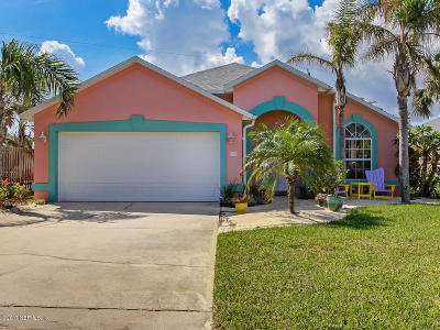 Single Family Home For Sale: 59 Ocean Dr