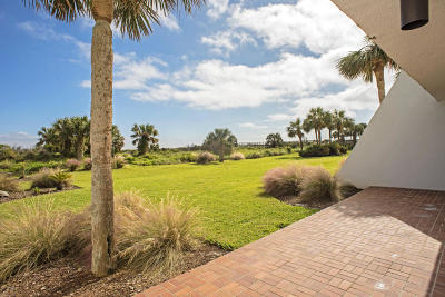 Duval County, St. Johns County Condo For Sale: 20 Dondanville Rd #A105