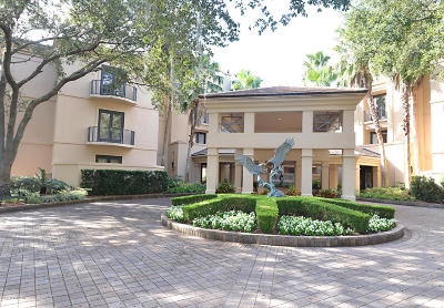 Duval County Condo For Sale: 6730 Epping Forest Way N #109