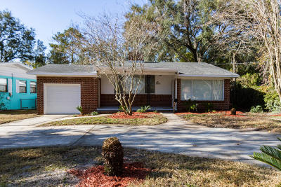 Duval County Single Family Home For Sale: 746 Old Hickory Rd