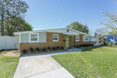 Atlantic Beach Single Family Home For Sale: 704 Redfin Dr