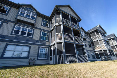 Duval County, St. Johns County Condo For Sale: 110 Ocean Hollow Ln #114
