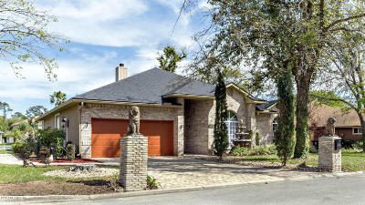 Single Family Home For Sale: 1723 Branch Vine Dr W