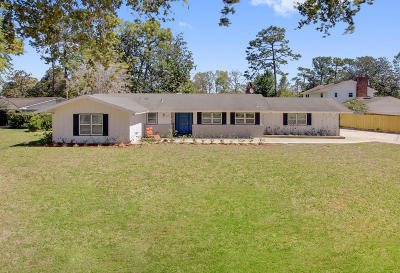 Single Family Home For Sale: 7843 Holiday Rd S