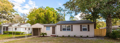 Duval County Single Family Home For Sale: 5525 Lakewood Cir E