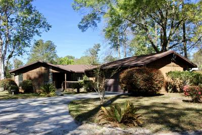 Duval County Single Family Home For Sale: 5297 Hide-A-Way Dr