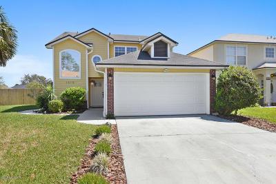 Single Family Home For Sale: 1615 Hudderfield Cir W