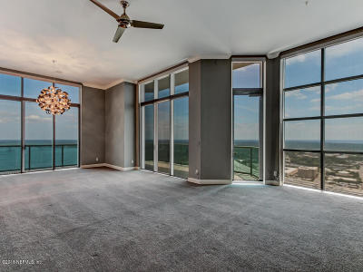 Duval County Condo For Sale: 1431 Riverplace Blvd #3704