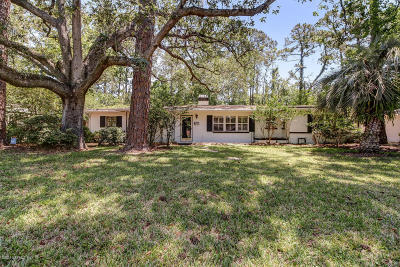 Single Family Home For Sale: 5617 Salerno Rd