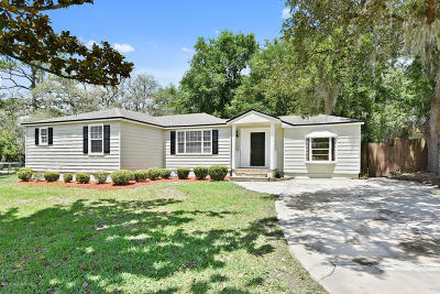 Single Family Home For Sale: 9601 Macarthur Ct S