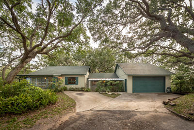 Vilano Beach Single Family Home For Sale: 136 Surfside Ave