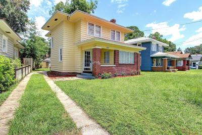 Single Family Home For Sale: 2589 College St