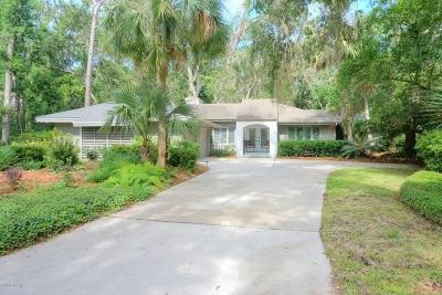 Fernandina Beach Single Family Home For Sale: 22 Wax Myrtle Rd