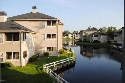 Jacksonville Beach Condo For Sale: 1655 The Greens Way #2522