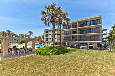 Jacksonville Beach Condo For Sale: 411 1st St S #401