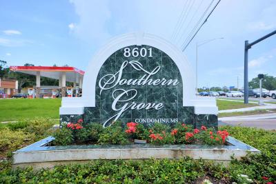 Jacksonville Condo For Sale: 8601 Beach Blvd #1108
