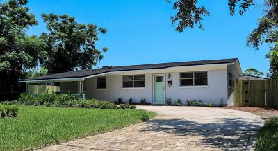 Atlantic Beach Single Family Home For Sale: 571 Sailfish Dr E