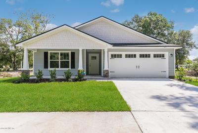 Jacksonville Single Family Home For Sale: 1211 Sarahs Landing Dr