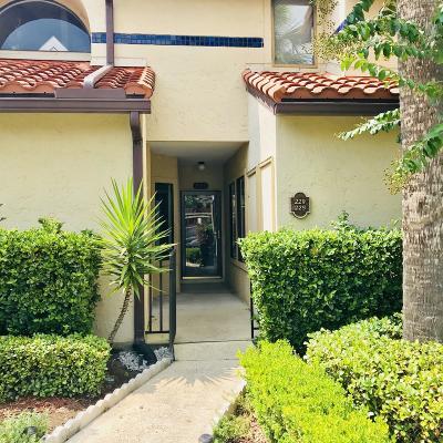 Duval County Condo For Sale: 3809 La Vista Cir #225