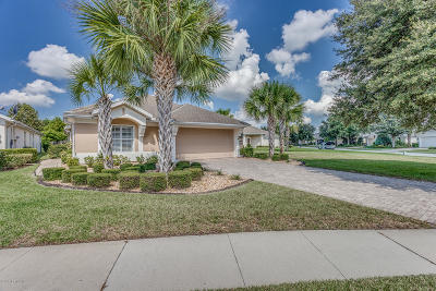 Jacksonville Single Family Home For Sale: 9040 Tropical Bend Cir