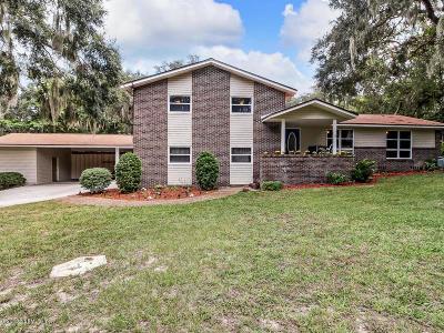 Nassau County Single Family Home For Sale: 818 Amelia Dr